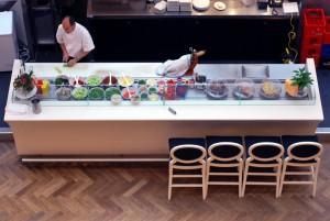 Βερολίνο: Ελληνικό εστιατόριο ζητά μάγειρα.