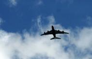 Γιατί χαμηλώνουν τα φώτα κατά την προσγείωση και την απογείωση;