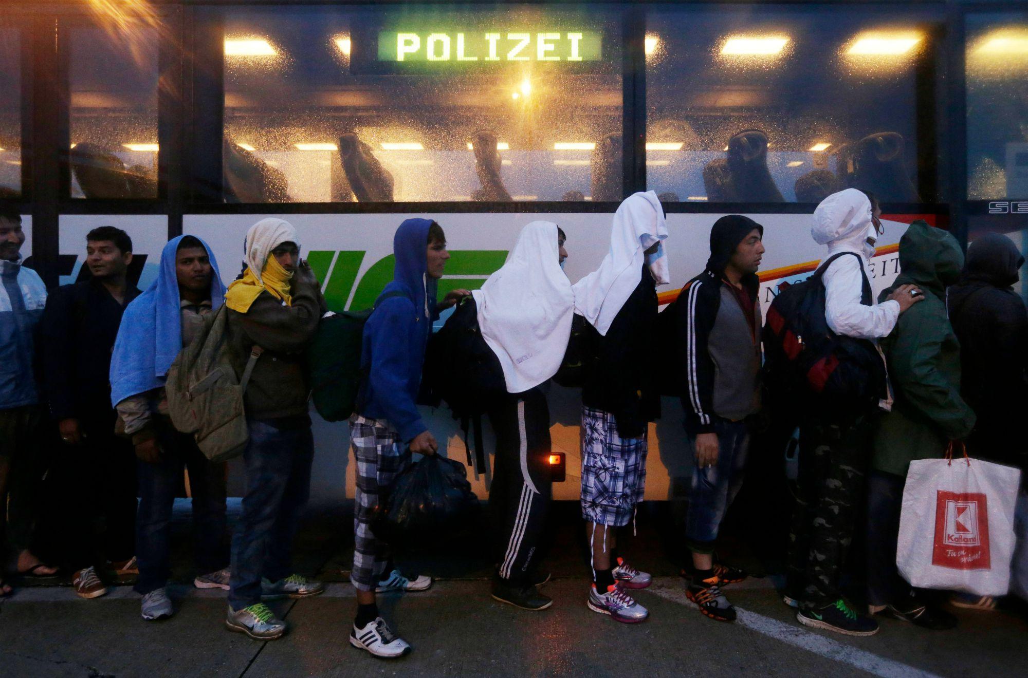 Τι κάνουν οι μετανάστες μόλις φθάνουν στη Γερμανία
