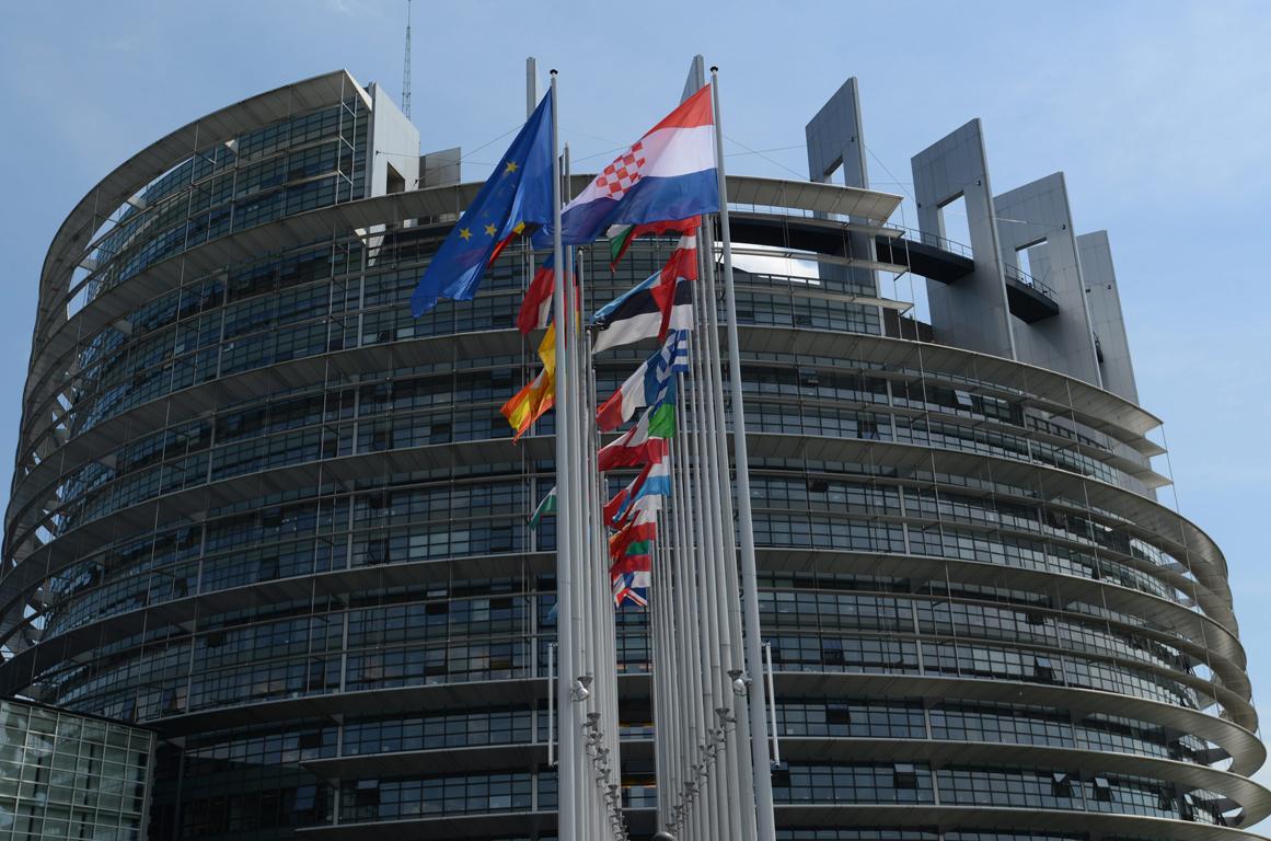 Βρέθηκε προπαγανδιστικό υλικό ISIS σε οδηγούς του Ευρωκοινοβουλίου