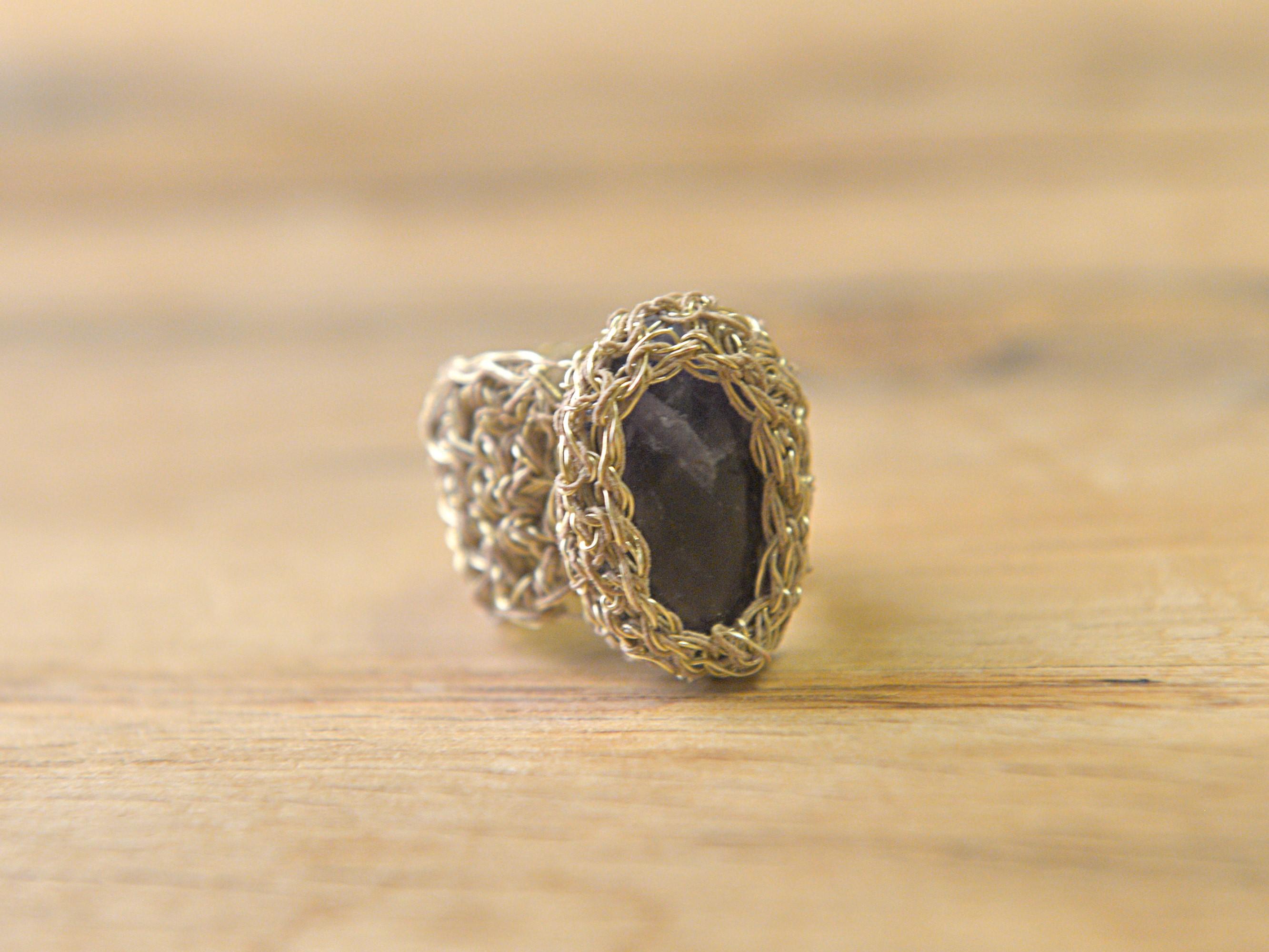 Δαχτυλίδι πλεγμένο στο χέρι με αμέθυστο
