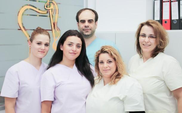 Δ. Μαρινόπουλος: Ο Έλληνας Oδοντίατρος στο Mannheim-Ludwigshafen