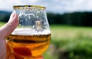 Έρευνα: Η μπύρα «θωρακίζει» τις γυναίκες από τον καρκίνο του μαστού