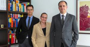 Αλέξης Μπαξεβάνης: ο Έλληνας δικηγόρος της Φρανκφούρτης στο πλευρό των Ελλήνων της Γερμανίας