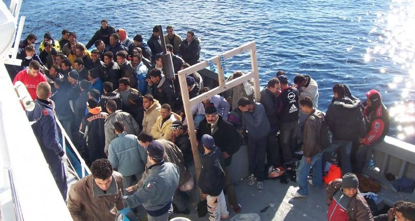 Γερμανία: Πρέπει να βοηθήσουμε την Ελλάδα στο προσφυγικό
