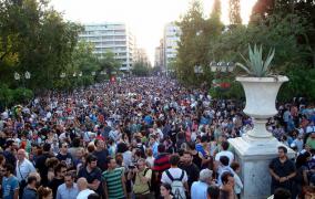 CNBC: Γιατί η κρίση στην Ελλάδα δεν έχει τελειώσει