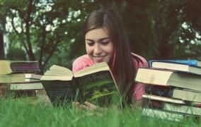 Η ανάγνωση βιβλίων χαρίζει μακροζωΐα