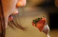 Τρώτε αργά το βράδυ; Δείτε από τι κινδυνεύετε!