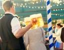 Oktoberfest: Επισκέπτης δαγκώνει σερβιτόρο!