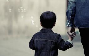 1 στους 2 γονείς παθαίνουν κατάθλιψη αν έχουν παιδί με διατροφική διαταραχή