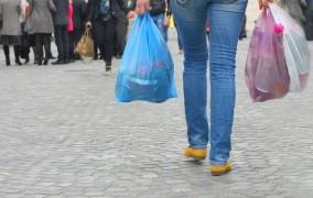 Έρχεται χαράτσι 5-10 λεπτών για τις πλαστικές σακούλες