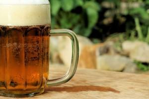 Κάτι ξέρουν οι Γερμανοί και πίνουν μπύρα - 8 οφέλη στον οργανισμό