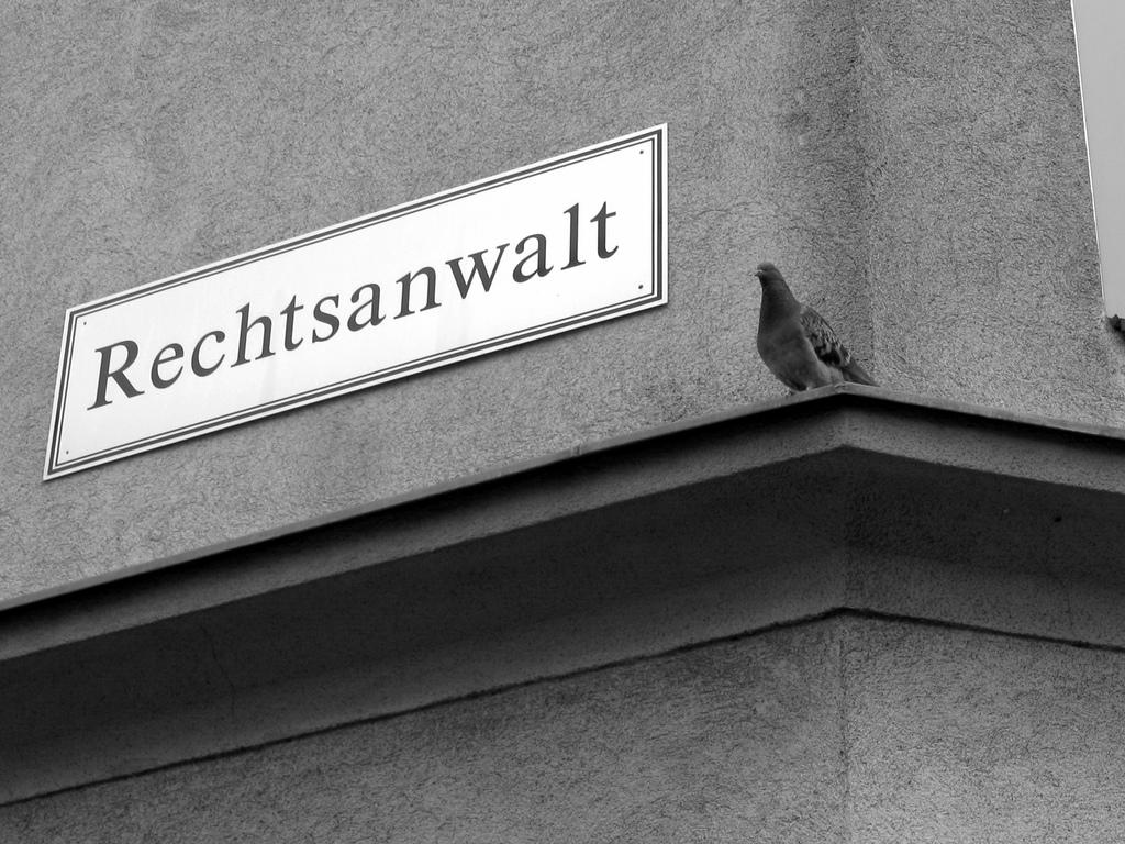 Βερολίνο: Ευτέρπη Κλεάνη - Η Ελληνίδα δικηγόρος που ξεχωρίζει