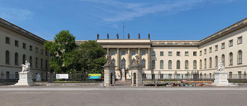 800px-Frontansicht_des_Hauptgebäudes_der_Humboldt-Universität_in_Berlin