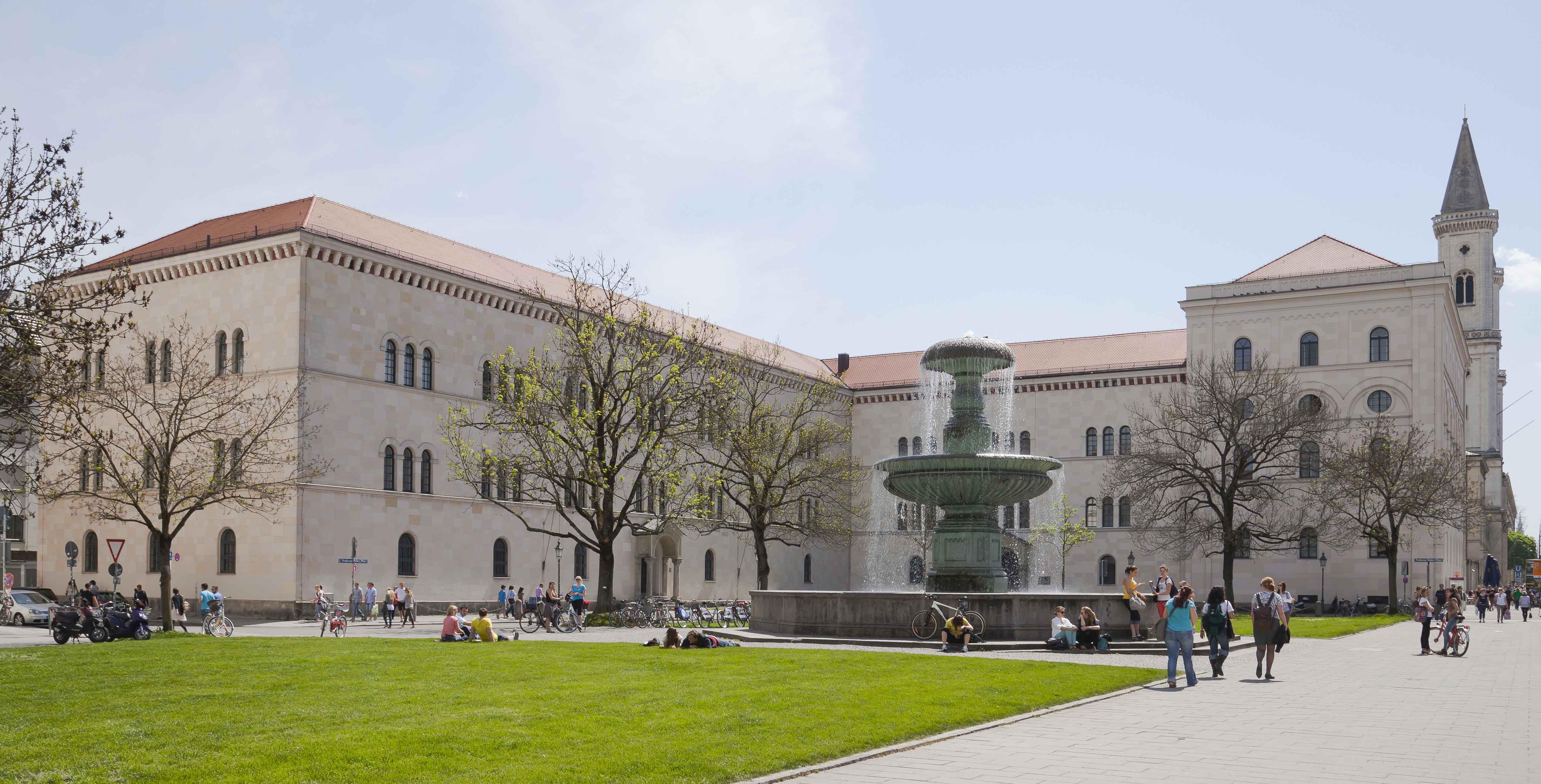 Edificio_principal_de_la_Universidad_Ludwig-Maximilian,_Múnich,_Alemania,_2012-04-30,_DD_01