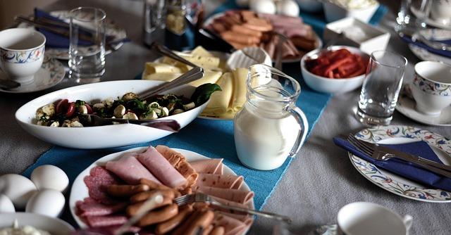 breakfast-3627962_640