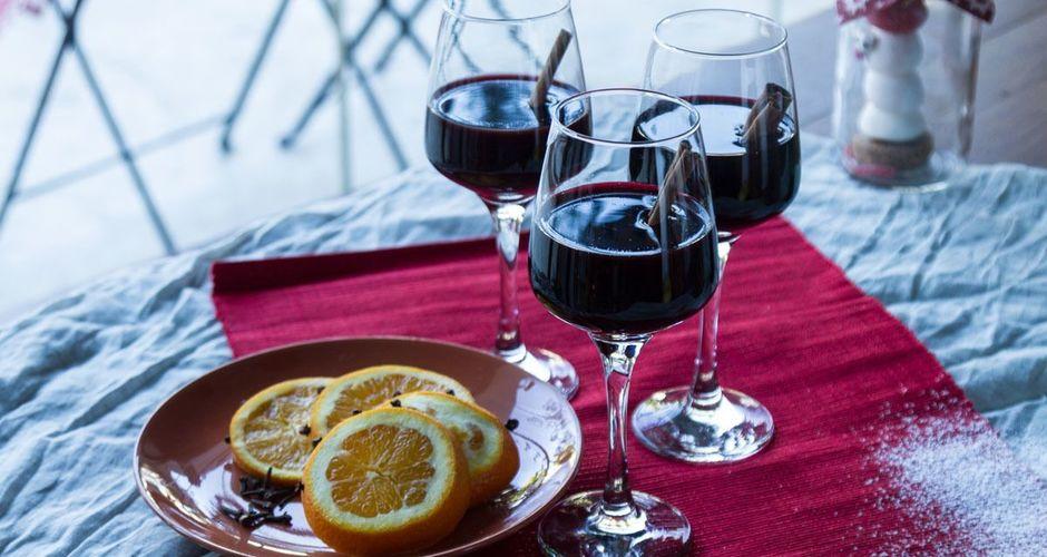 Η ιστορία του Glühwein (ζεστό κρασί) και πως να το φτιάξετε