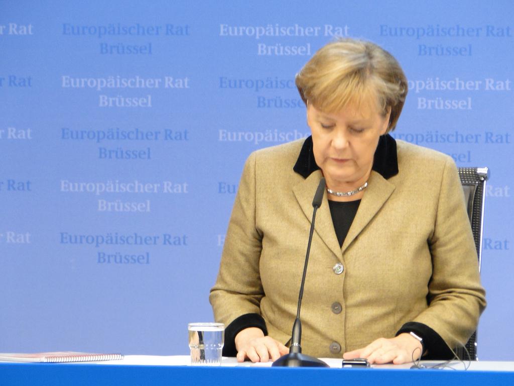 Διεθνής Τύπος: Η Μέρκελ μιλά σκληρά για τους πρόσφυγες