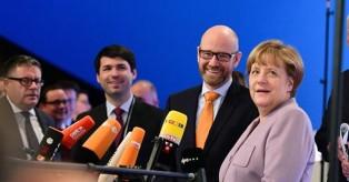Βίντεο: Όταν η Μέρκελ... εκνευρίστηκε με κάμερα του κόμματός της!