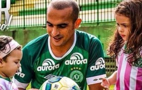 Συγκλονίζει η 4χρονη κόρη ποδοσφαιριστή της Τσαπεκοένσε: «Έχει πεθάνει ο μπαμπάς μου μαμά;»