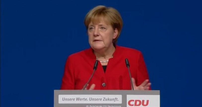 Γερμανία: Η Μέρκελ απαγορεύει τη Μπούρκα