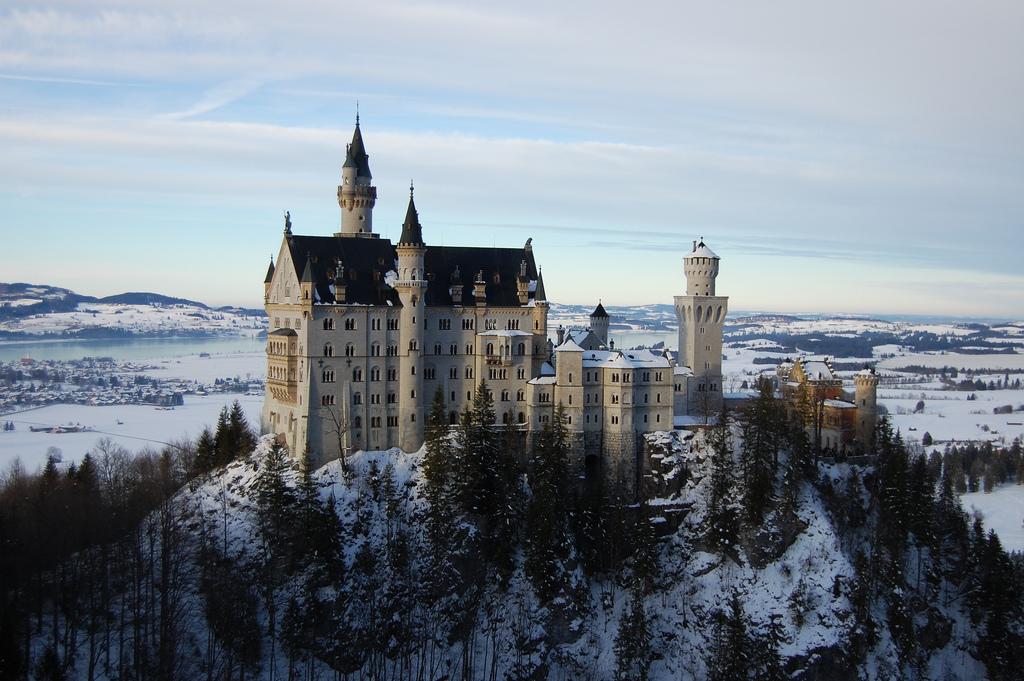Γερμανία: Διασχίζοντας με Αυτοκίνητο τα 350 πιο Ρομαντικά Χιλιόμετρα του Κόσμου