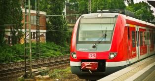 Ντόρτμουντ: Έμειναν για 30 λεπτά εγκλωβισμένοι στο τρένο, επειδή ένας … δεν είχε εισιτήριο
