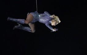 Το μοναδικό show της Lady Gaga στη σκηνή του Super Bowl