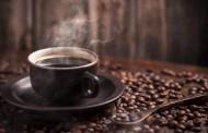Δείτε ποιο είναι το «κόλπο» για να ξυπνήσετε γρήγορα χωρίς να πιείτε καφέ