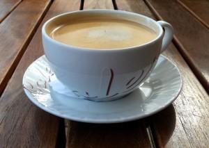 Προσοχή! Γιατί πρέπει να κόψεις το γάλα και τη ζάχαρη από τον καφέ;