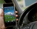 Γερμανία: Τσουχτερά τα πρόστιμα για τη χρήση κινητού κατά την οδήγηση – Τι αλλάζει από αύριο;