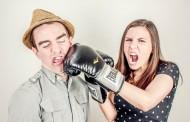 Έρευνα: Να γιατί μας εκνευρίζουν ήχοι, όπως το μασούλημα