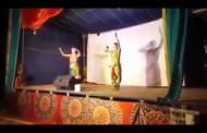 Χορευτής πέθανε στη σκηνή και οι θεατές πίστευαν ότι ήταν μέρος της παράστασης
