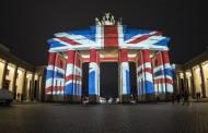 Γερμανία: Η Πύλη του Βραδεμβούργου «φόρεσε» την αγγλική σημαία