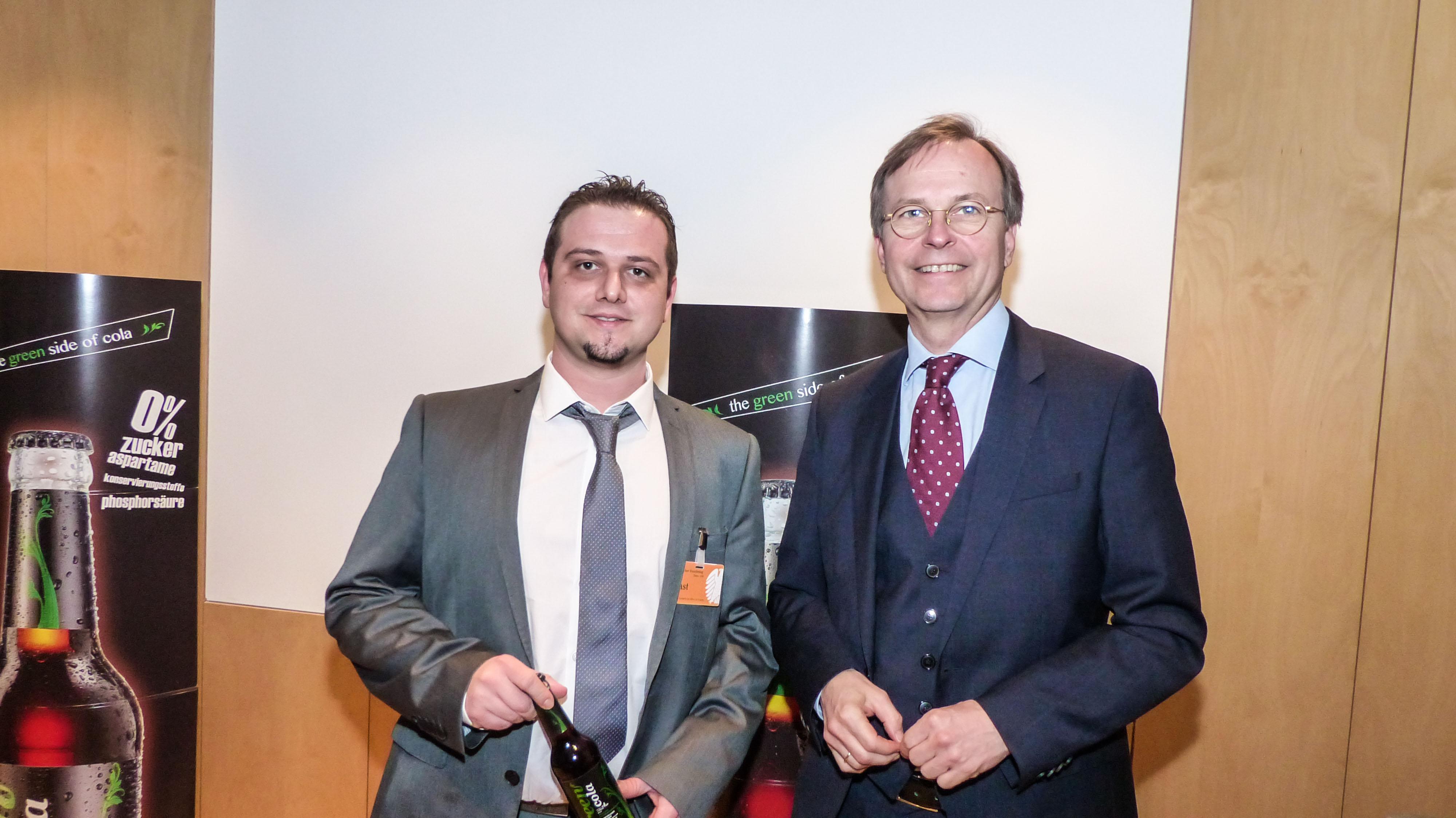 Green Cola: Το ελληνικό προϊόν που έκλεψε τις εντυπώσεις στο Γερμανικό Κοινοβούλιο