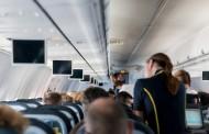 Ποια είναι τα 9 πράγματα που ελέγχουν οι αεροσυνοδοί σε εσάς χωρίς να το γνωρίζετε
