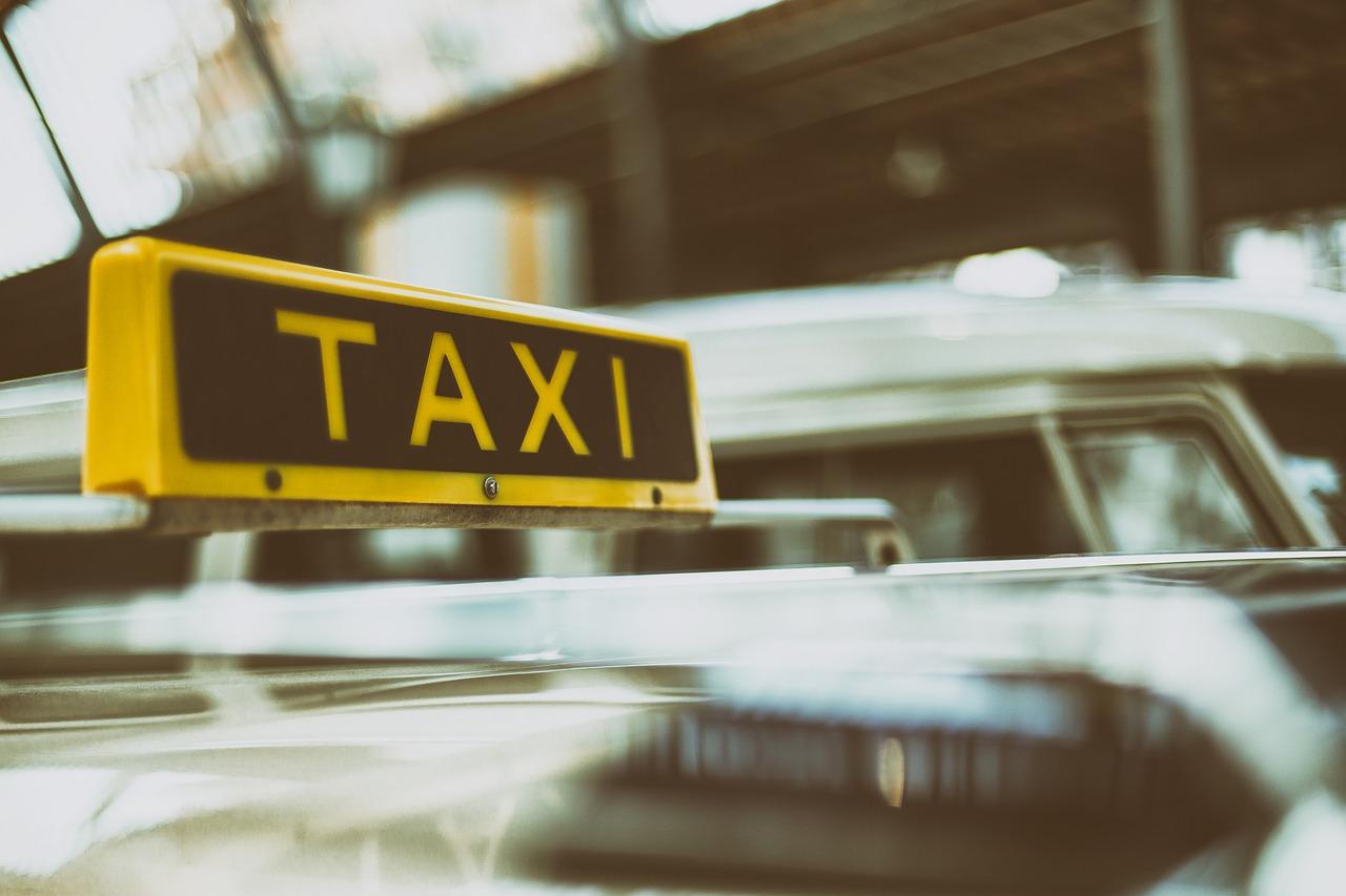 Γερμανία: Τραγικό! Οδηγός ταξί πέθανε καθώς οδηγούσε και τραυμάτισε μικρό παιδί