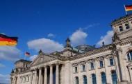 Γερμανικό ΥΠΟΙΚ: Να εφαρμόσει η Ελλάδα τις μεταρρυθμίσεις που έχει υποσχεθεί