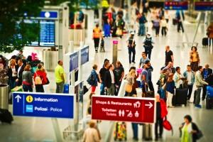 Γερμανία: Τι προσέχουν οι υπάλληλοι στα σύνορα ή στα αεροδρόμια κατά τη διάρκεια ελέγχου των ταξιδιωτών