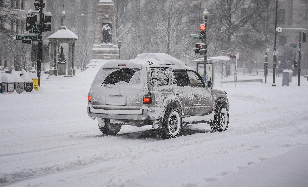 Γερμανία: Χάος στους δρόμους από την επέλαση του χιονιά … εν μέσω του Απρίλη