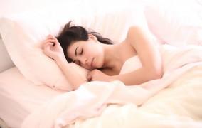 Γερμανία: Γιατί οι γυναίκες κοιμούνται λιγότερο από τους άνδρες