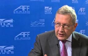 Ρέγκλινγκ: Μόνο αν βάλει και η Ελλάδα χρήματα για τα ληξιπρόθεσμα, θα δοθούν τα 800 εκατ. της δόσης