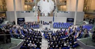 Γερμανική βουλή: Πυρά κατά Σόιμπλε για τη ελληνικό ζήτημα