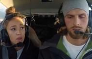 Της έκανε πρόταση γάμου ενώ «έπεφτε» το αεροπλάνο (pics & vid)