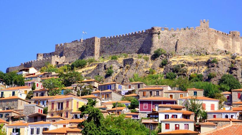 Ο μετασεισμός 5,2 Ρίχτερ στην Λέσβο «κλείνει» το Κάστρο του Μολύβου