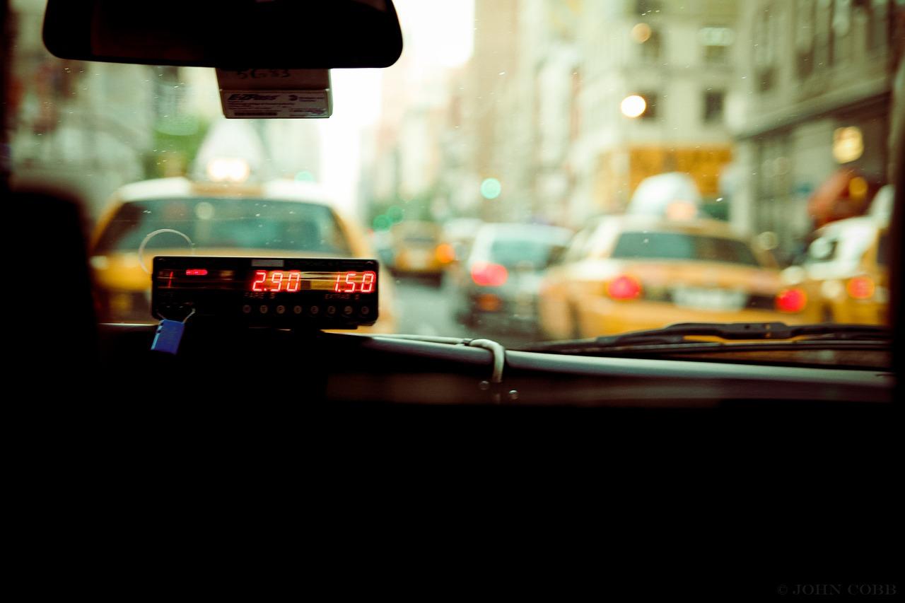 Ταξί στη Γερμανία: Ποιες είναι οι χρεώσεις και ποιες οι παροχές