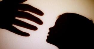 76χρονος «σάτυρος» ανάγκαζε εφτάχρονη να τον παρακολουθεί ενώ αυνανιζόταν