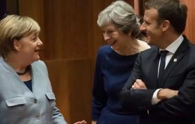 Μέρκελ στη Σύνοδο Κορυφής: «Παγώστε» τα κονδύλια για την ένταξη της Τουρκίας στην ΕΕ