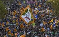Χιλιάδες διαδηλωτές στους δρόμους της Βαρκελώνης μετά την ενεργοποίηση νέου νόμου για την Καταλονία