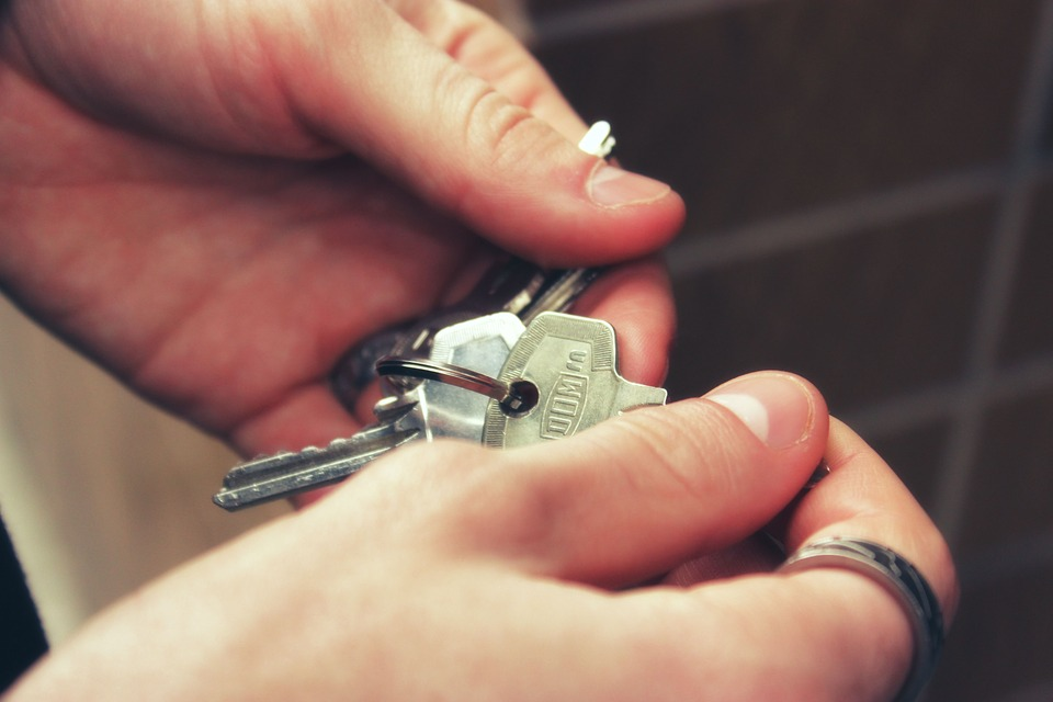 Γερμανία: Μετακομίζετε και θέλετε να παραδώσετε με ασφάλεια το διαμέρισμά σας στον ιδιοκτήτη; Δείτε τι πρέπει να προσέξετε
